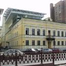Вид на офисное здание с Цветного бульвара